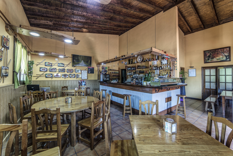 Bar Restaurante Puerta de la Demanda en Villasur de Herreros