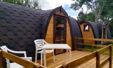 pods-madera-camping-puerta-demanda.jpg