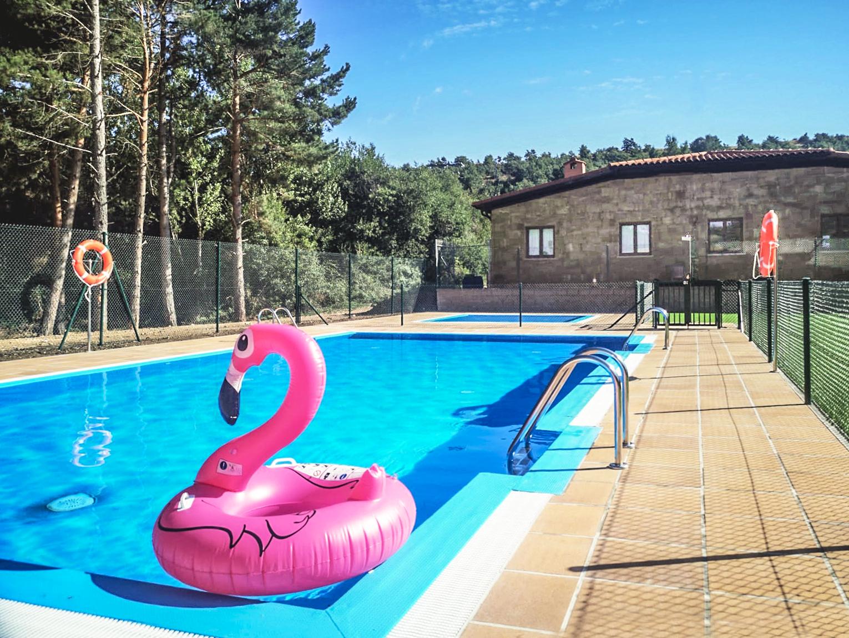 piscina del camping puerta de la demanda