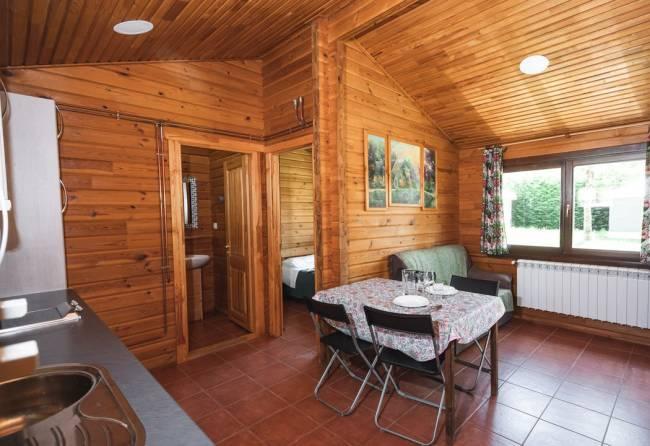 interior de bungalow de 2 habitaciones