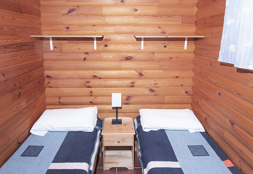 dormitorio de 2 camas bungalow